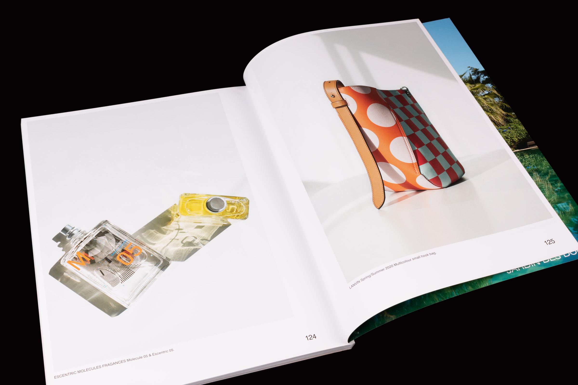 Revista Collection Issue paper estucat